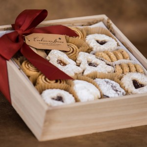 Perfect gift to share with your friends and family.  We've selected a special assortment of our gluten free cookies.*Selection is subject to change with cookies baked fresh the day of your order*